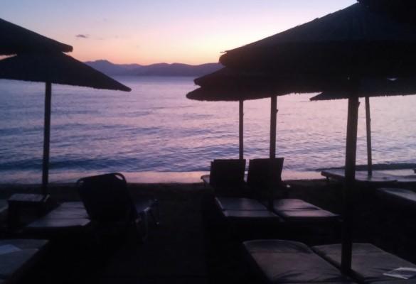 Romantični zalazak sunca Skiatos