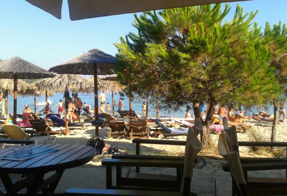 Taverne na plaži Kukunaries Skiatos