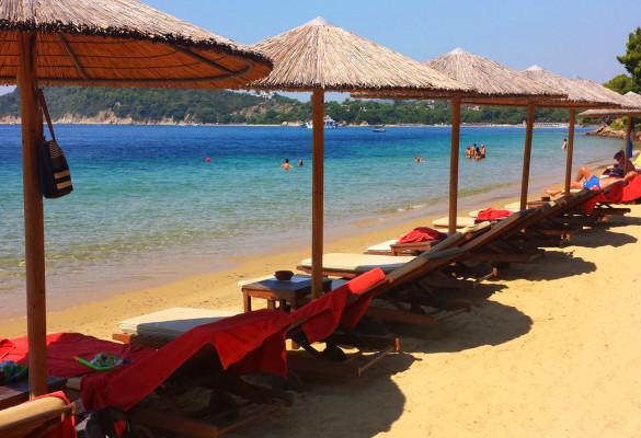 Plaža Marata Skiatos Grčka Ležaljke