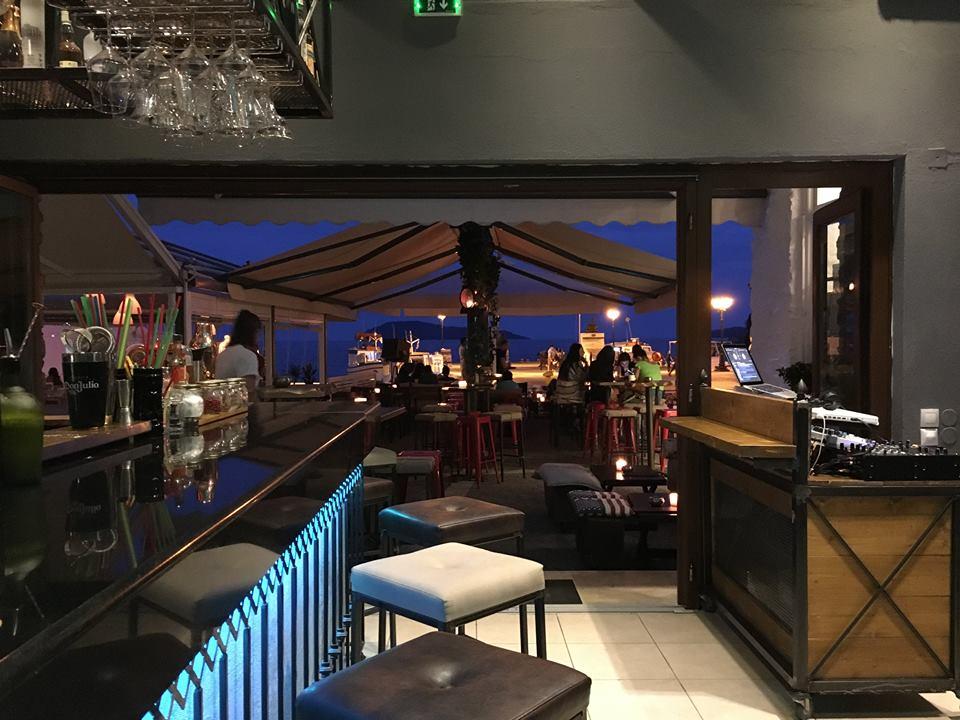 The bar Skiatos wine and cocktails - barovi i klubovi na Skiatosu